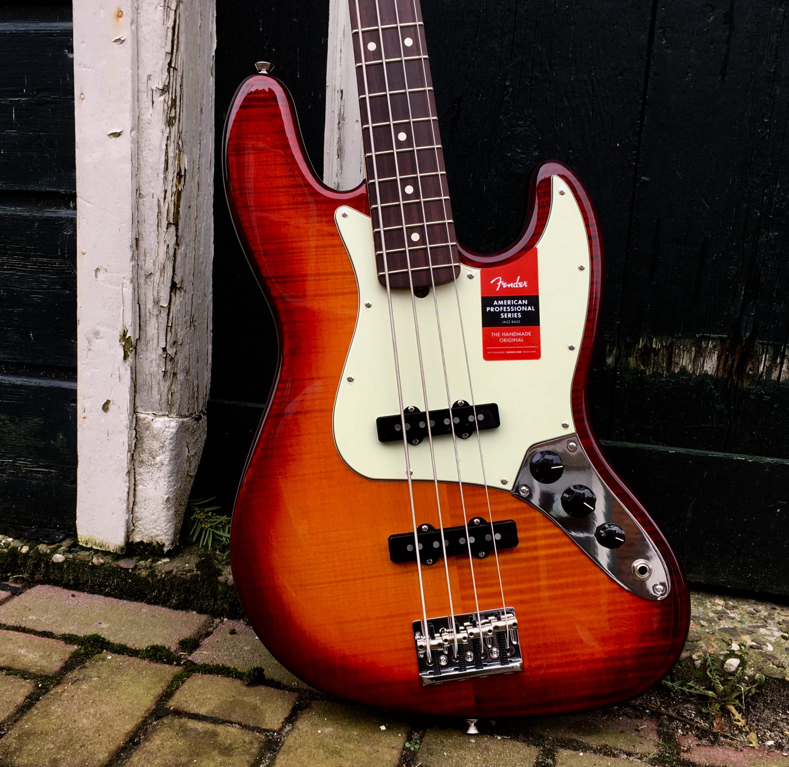 Fender American Pro Jazz Bass Flame Maple Top  - Limited Edition