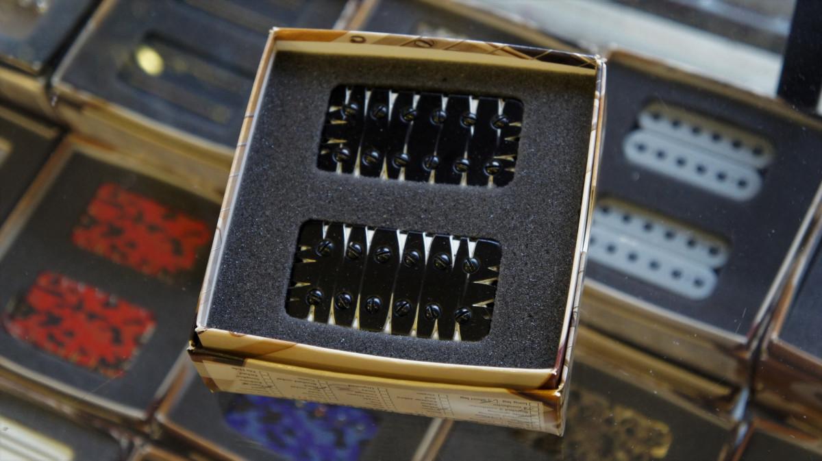 Bare Knuckle Silo 6 Set – Custom Shop – Black Tyger / White Bobbin – 53mm