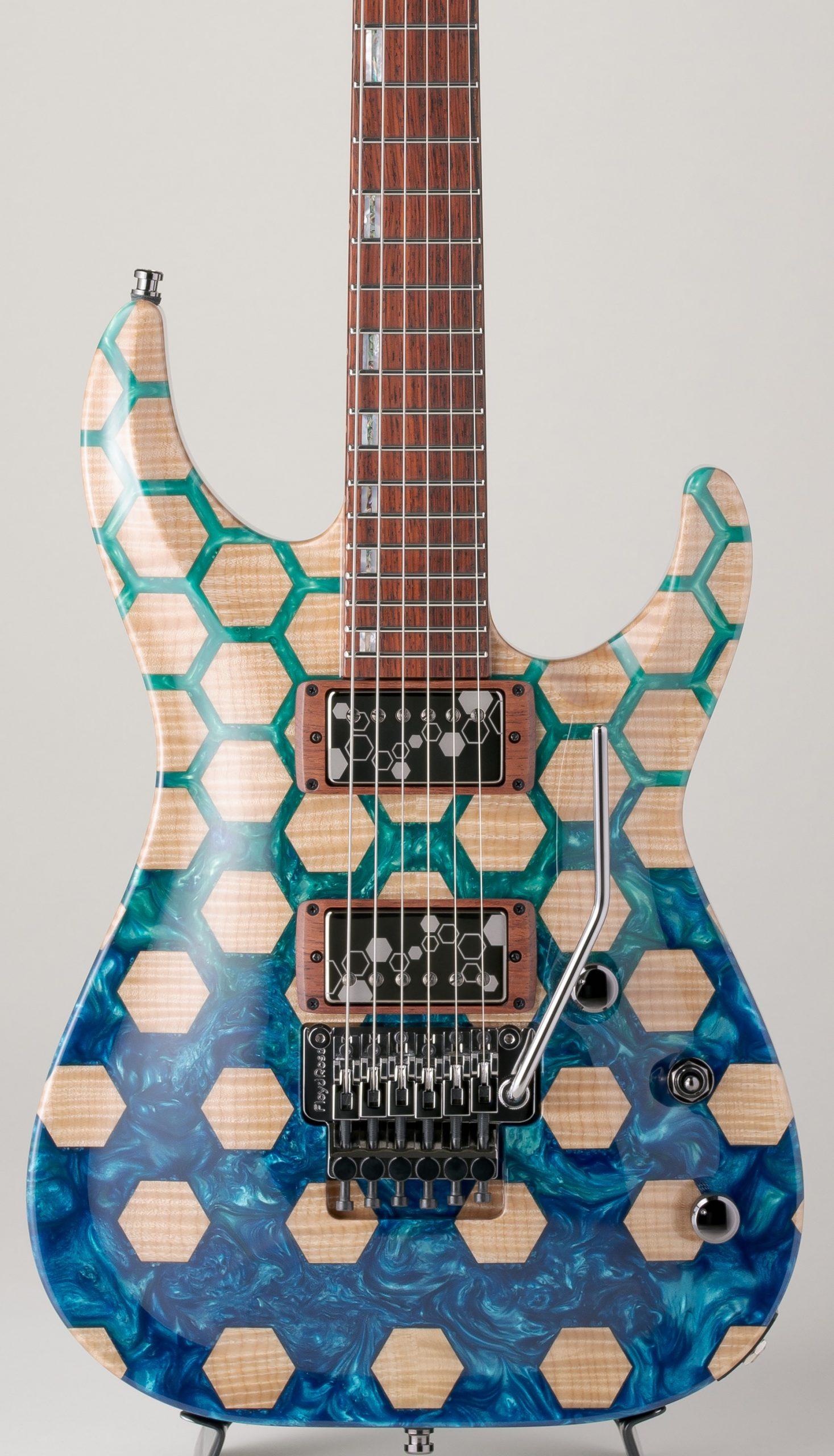 ESP Exhibition 2021 EX21-39 - Horizon CTM FR S - E9341202 - Honeycomb Blue & Purple resin top