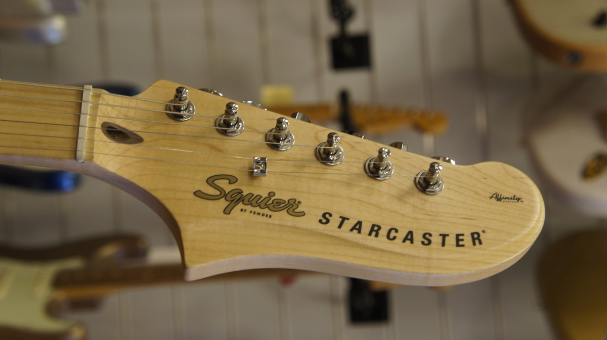 Squier Affinity Starcaster – 3-Tone Sunburst