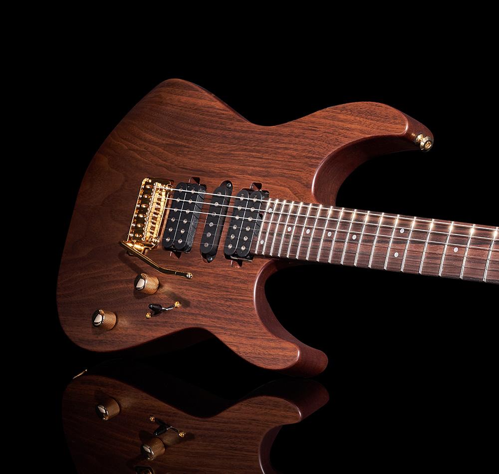 Charvel MJ DK24 HSH 2PT E – Mahogany – Limited Edition – Japan