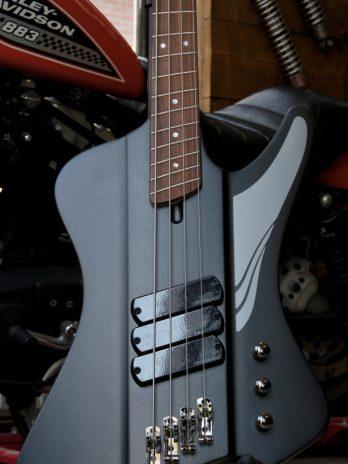 Dingwall D-Roc Standard 4-string – Black Matte