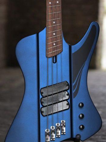 Dingwall D-Roc Standard 4-string – Blue To Purple Colorshift