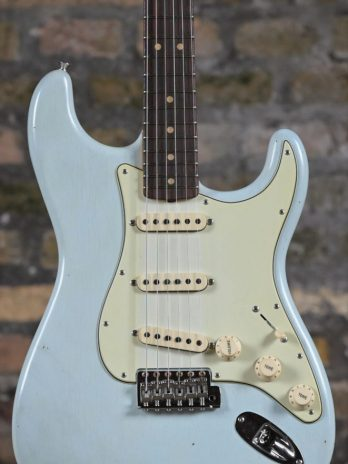 Fender Custom Shop 1963 Stratocaster Journeyman Relic with Closet Classic Hardware – Super Faded Aged Sonic Blue