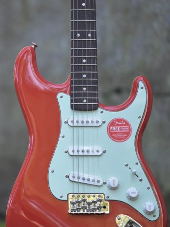 Squier Classic Vibe '60s Stratocaster – Fiesta Red(2)